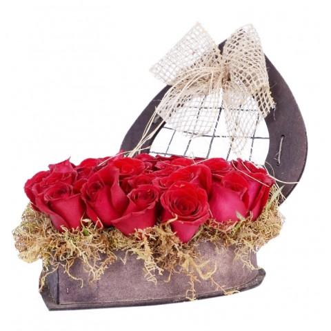 Arranjo Eu Te Amo Tanto com 24 Rosas