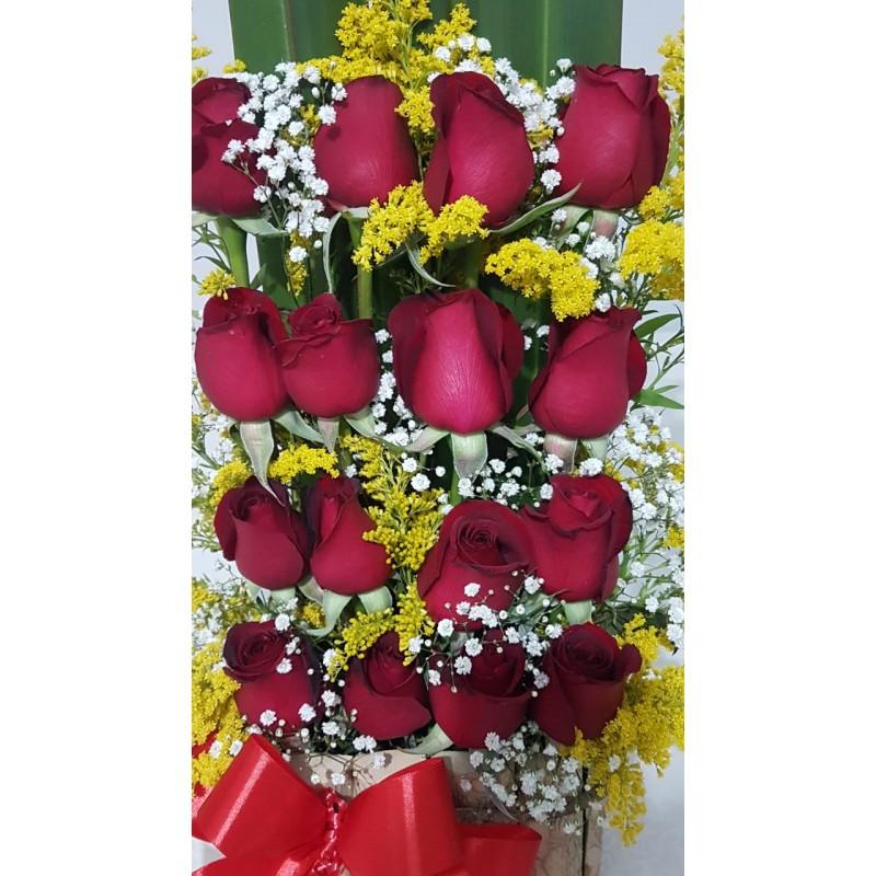 Arranjo Requinte com 16 Rosas  no Cachepô